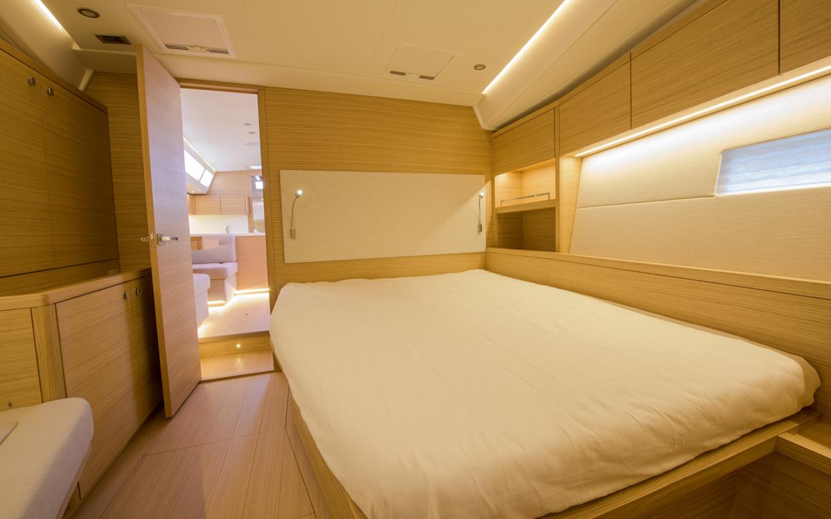 grand-soleil-52lc-boat-test-master-cabin-credit-fabio-taccola