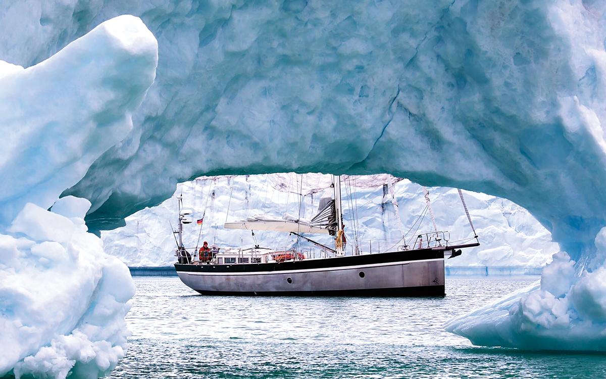 high-latitude-sailing-morning-haze-credit-benedict-gross
