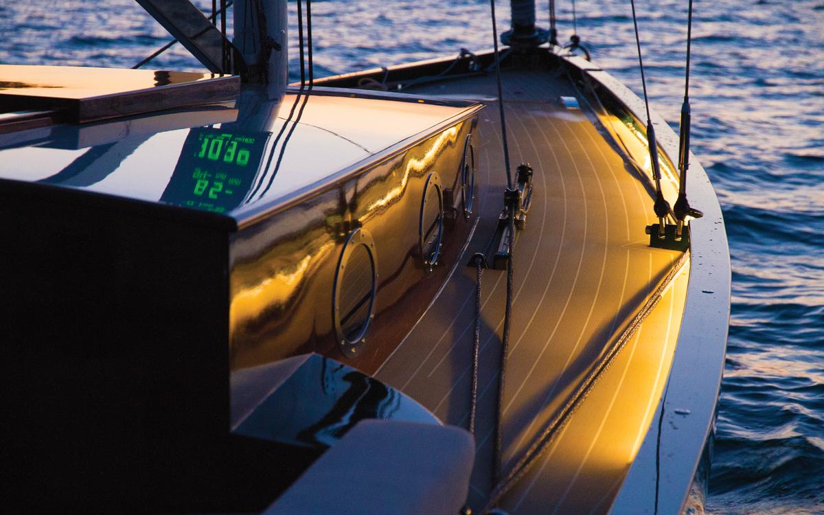 systèmes de navigation hybride-oceanvolt-yamila-credit-peter-minder