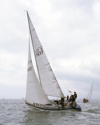 fastnet-race-1979-grimalkin-running-shot-tall-credit-beken-of-cowes