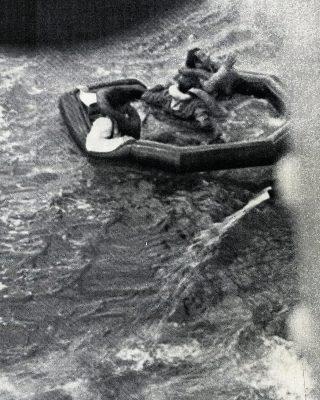 fastnet-race-1979-rnas-culdrose-trophy-crew-liferaft-credit-p-webster-royal-navy