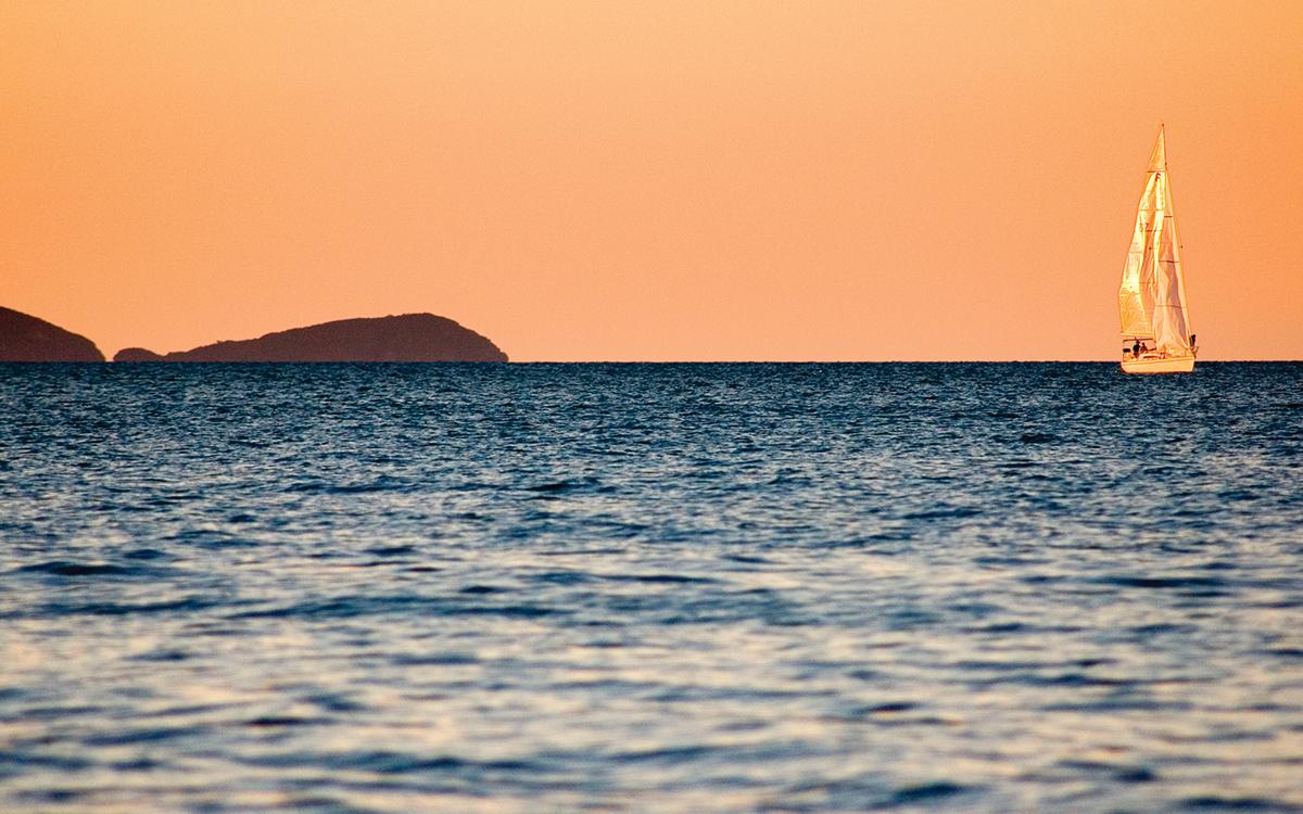 sailing-through-calms-pip-hare-credit-daniel-sweeney-alamy