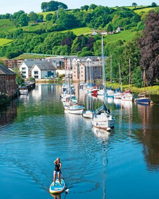 summer-adventures-totnes-river-dart-stand-up-paddleboarding-credit-kevin-britland-alamy
