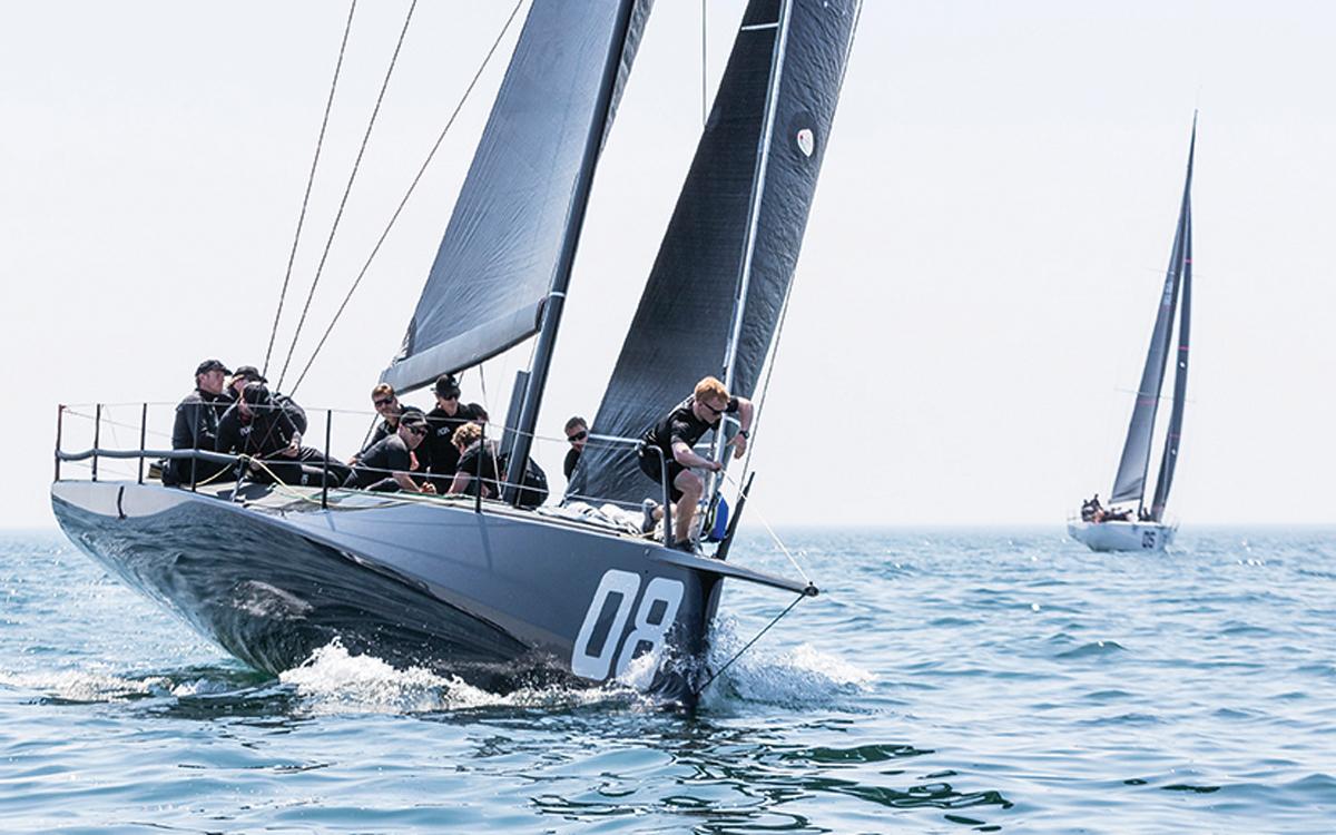 ran-vii-fast-40-hull-shape-credit-ian-roman