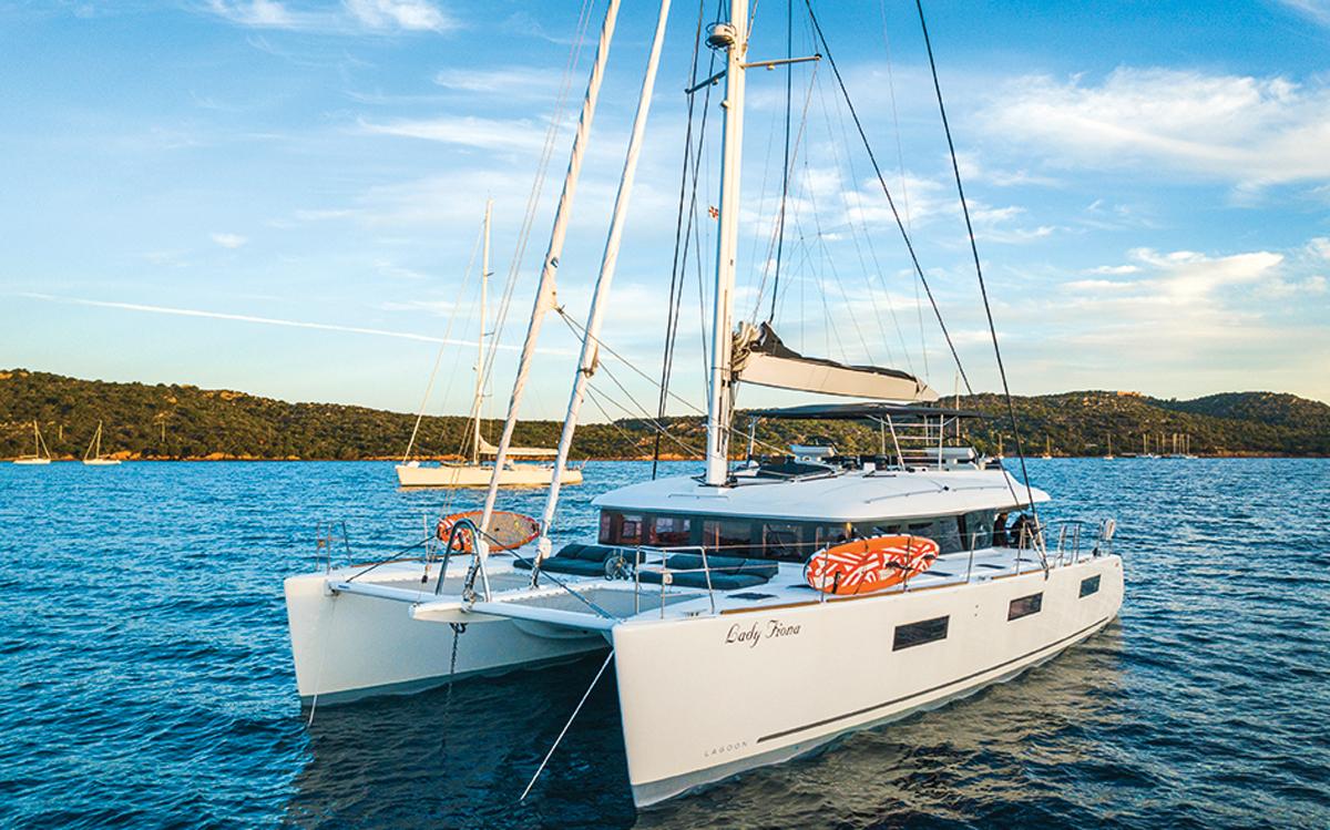 sardinia-charter-catamaran-lagoon-620-lady-fiona-credit-di-yachting