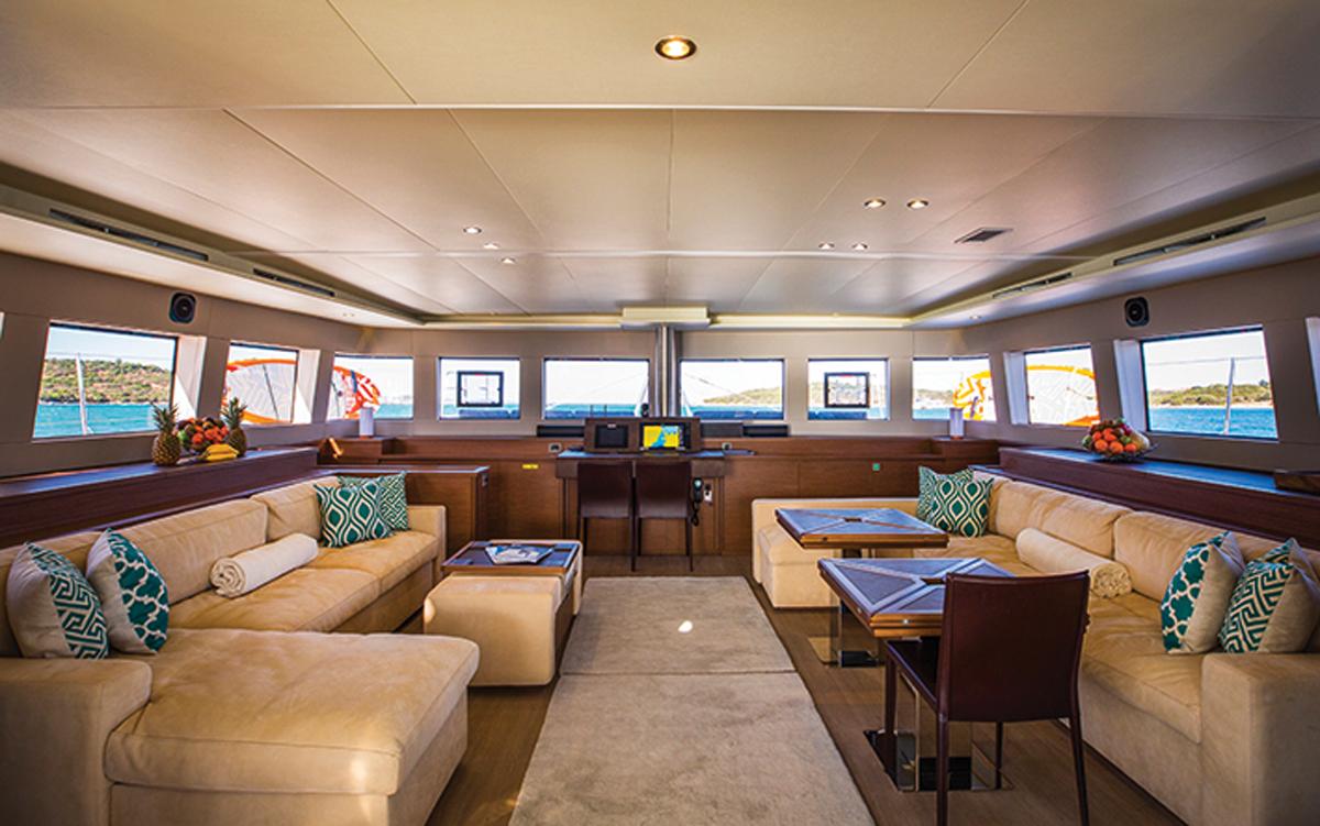 sardinia-charter-catamaran-lagoon-620-saloon-credit-di-yachting