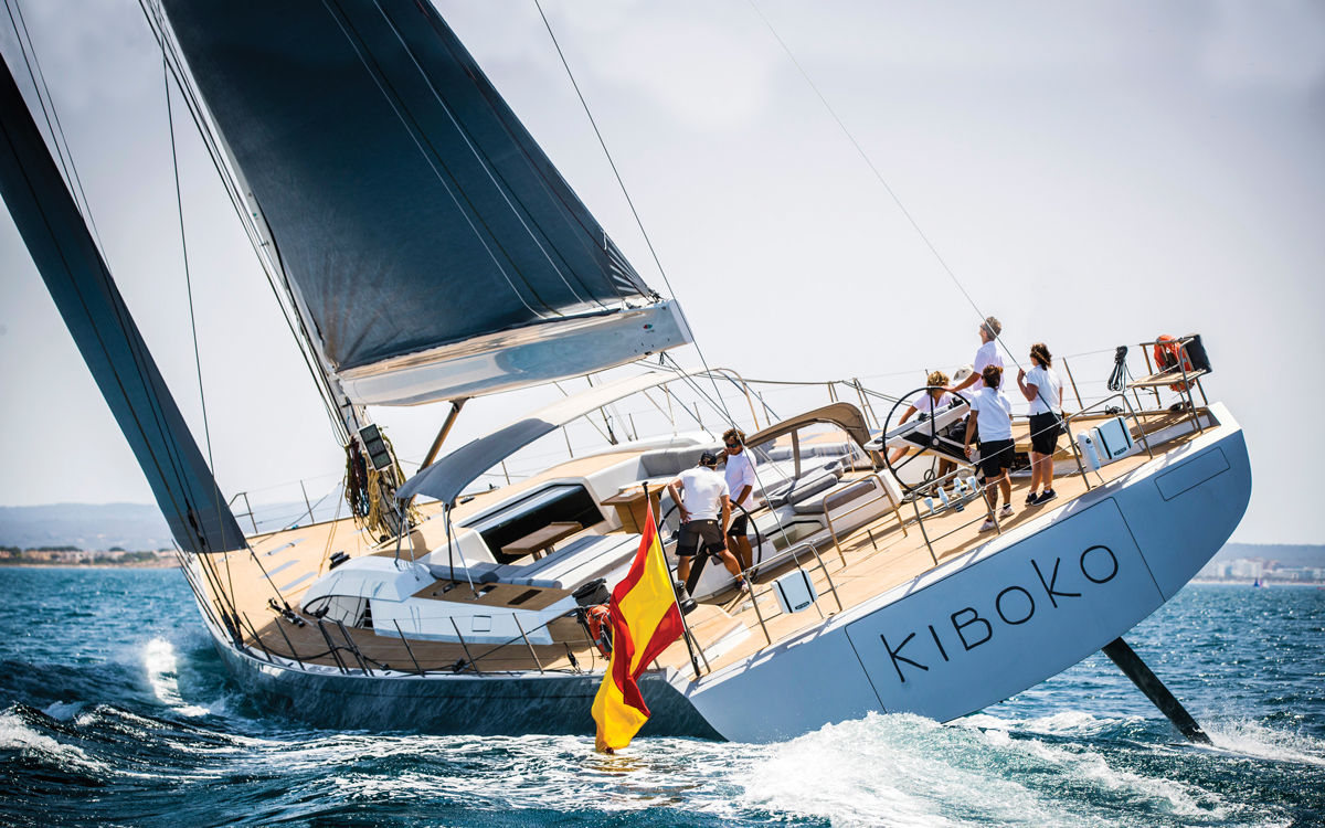 Southern-Wind-105-sailing-superyacht-Kiboko-Tres-aft-running-shot-credit-Richard-Langdon