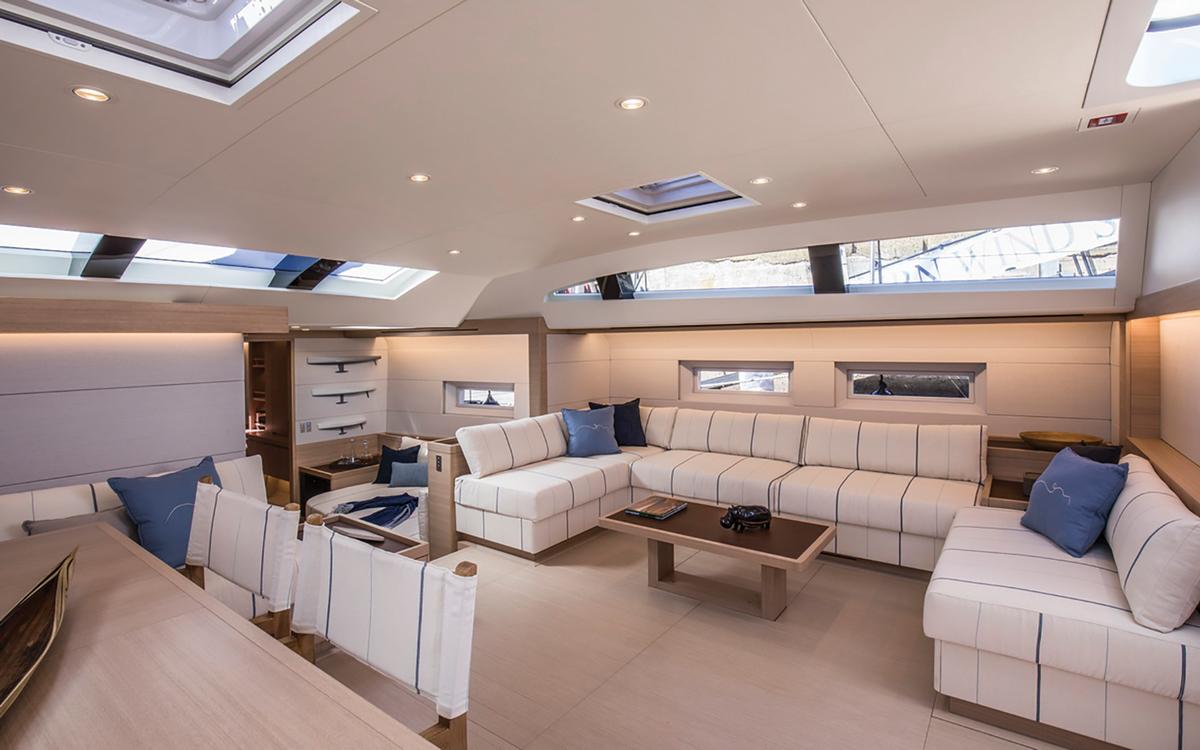 Southern-Wind-105-voile-superyacht-Kiboko-Tres-saloon-credit-Richard-Langdon