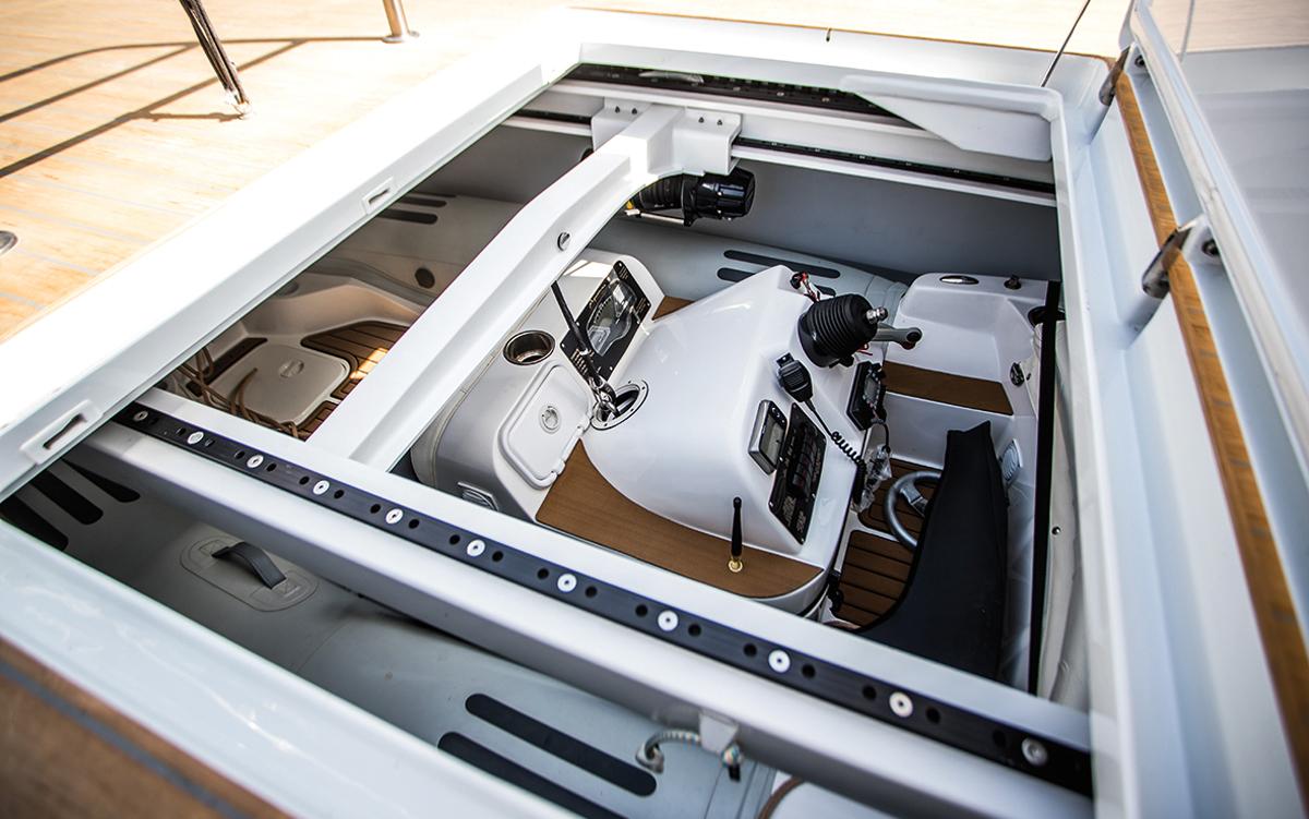 Southern-Wind-105-voile-superyacht-Kiboko-Tres-annexe-garage-credit-Richard-Langdon