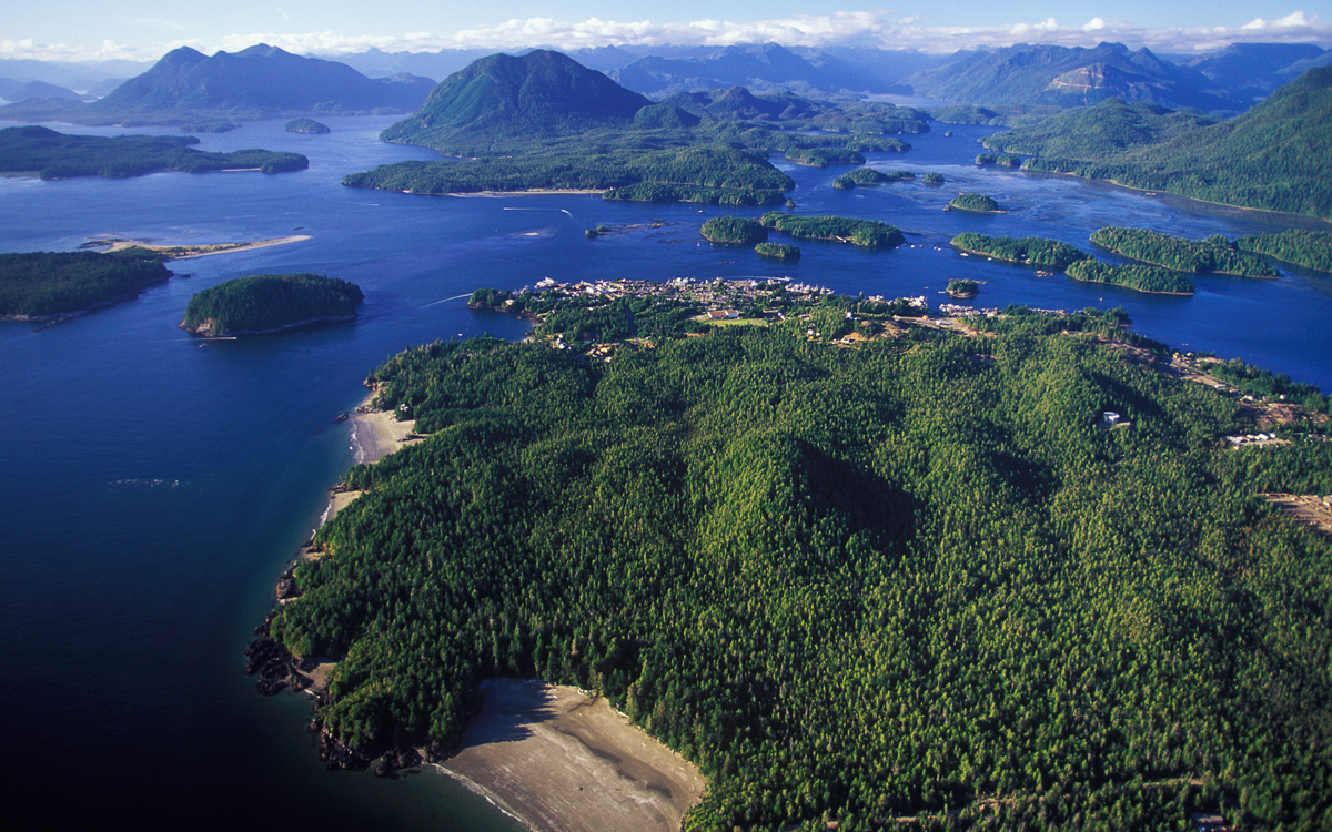 cruising-british-columbia-canada-wild-west-Tofina-and-Clayoquot-Sound-credit-all-canada-photos-alamy