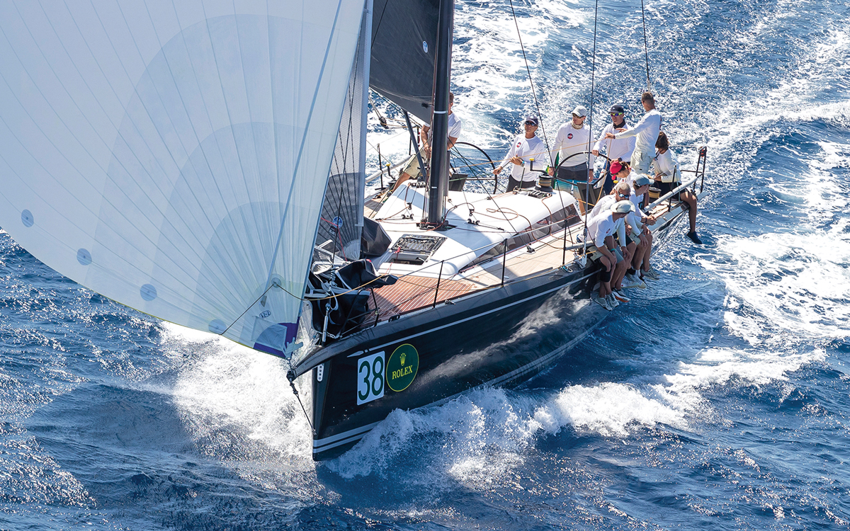 helming-downwind-expert-advice-credit-carlo-borlenghi