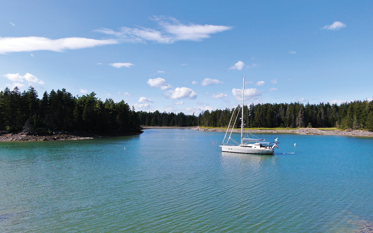 sailing-maine-lobster-pot-markers-credit-pete-goss