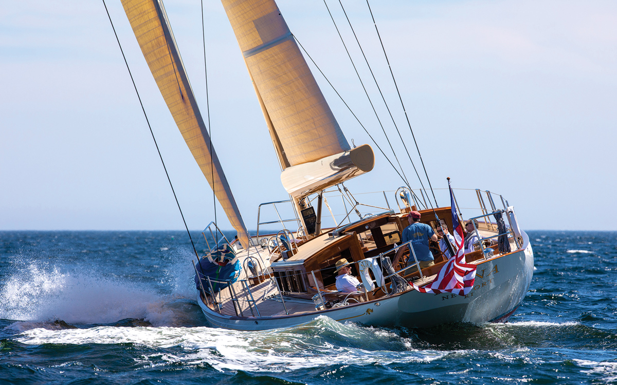 lyman-morse-spirit-of-tradition-yacht-anna-aft-running-shot-credit-alison-langley