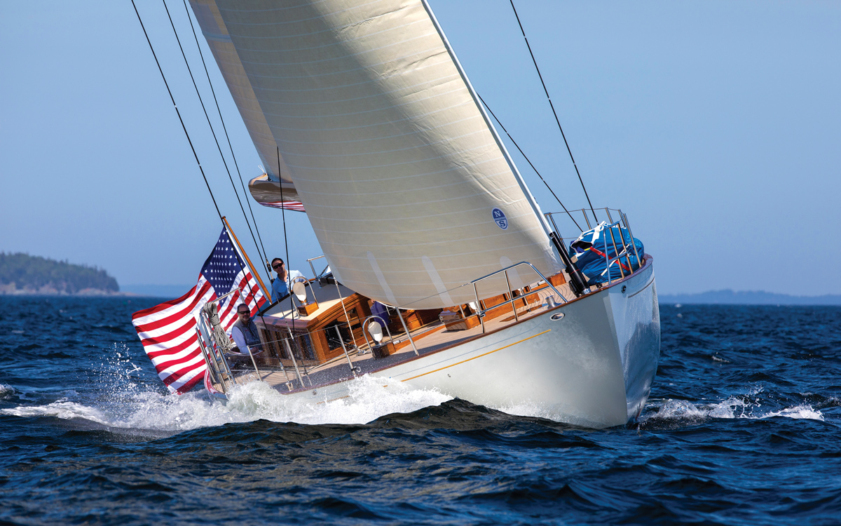 lyman-morse-spirit-of-tradition-yacht-anna-bow-running-shot-credit-alison-langley