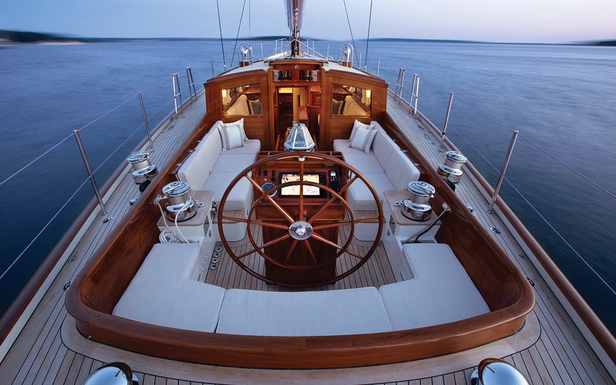 lyman-morse-spirit-of-tradition-yacht-anna-cockpit-credit-alison-langley