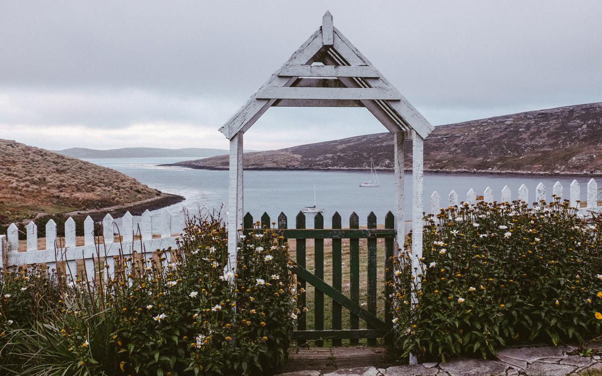 sailing-Falklands-pelagic-delivery-west-point-island-garden-credit-silvia-varela