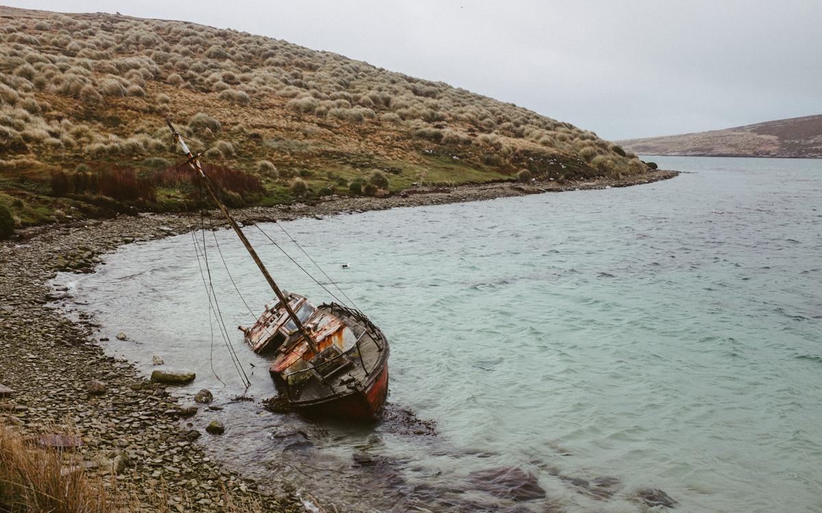 sailing-Falklands-pelagic-delivery-west-point-island-shipwreck-credit-silvia-varela