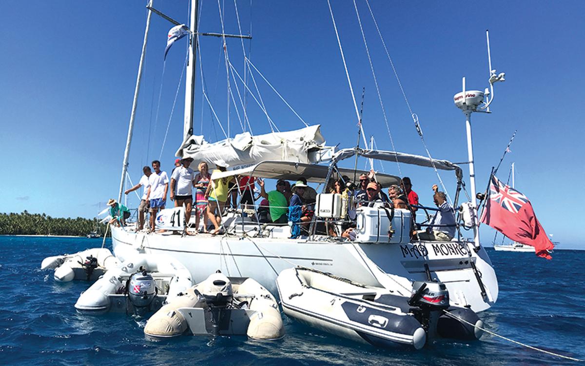 sailing-escape-world-arc-2018-Mad-Monkey-suwarrow-boat-party