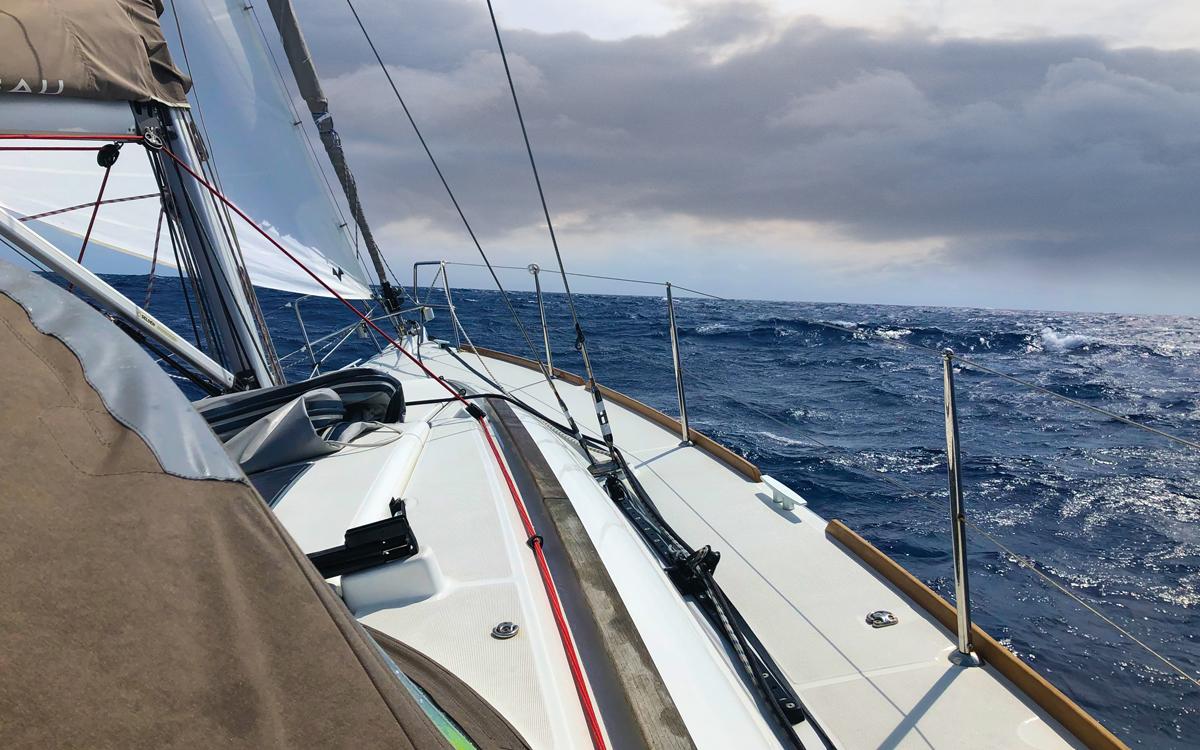 solo-atlantic-sailing-credit-ed-gorman