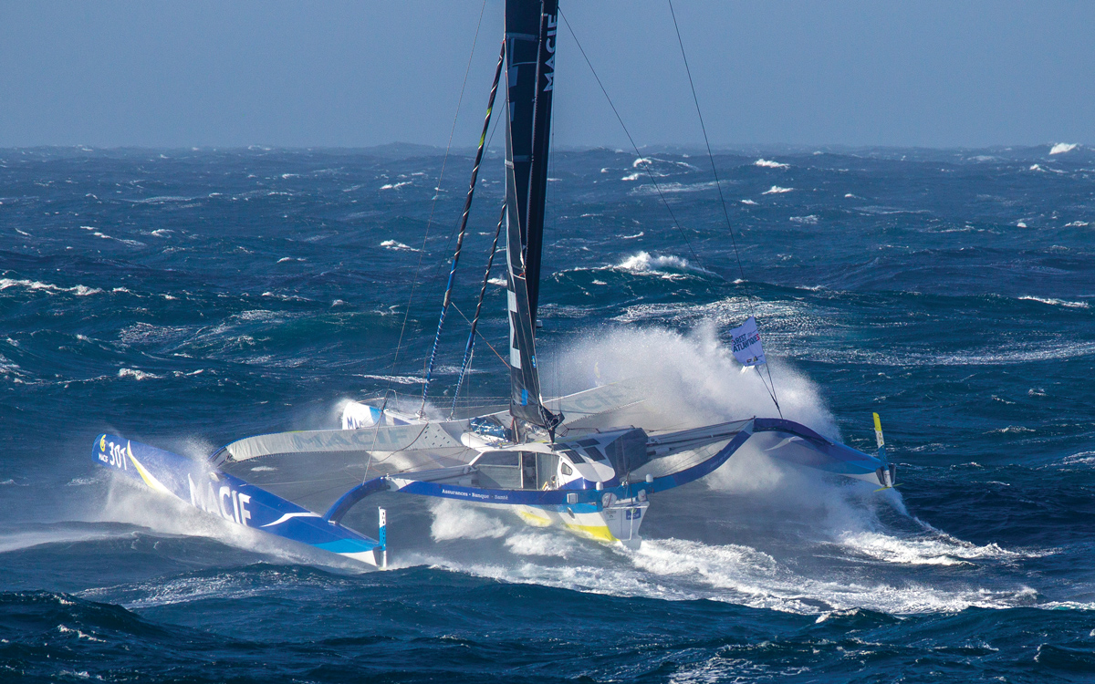 brest-atlantiques-trimaran-race-macif-credit-Alexis-Courcoux