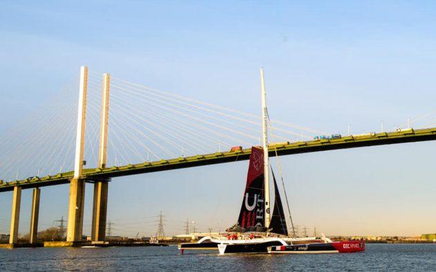 idec-sport-qe2-bridge-francis-joyon-clipper-route-world-sailing-record-feb-2020