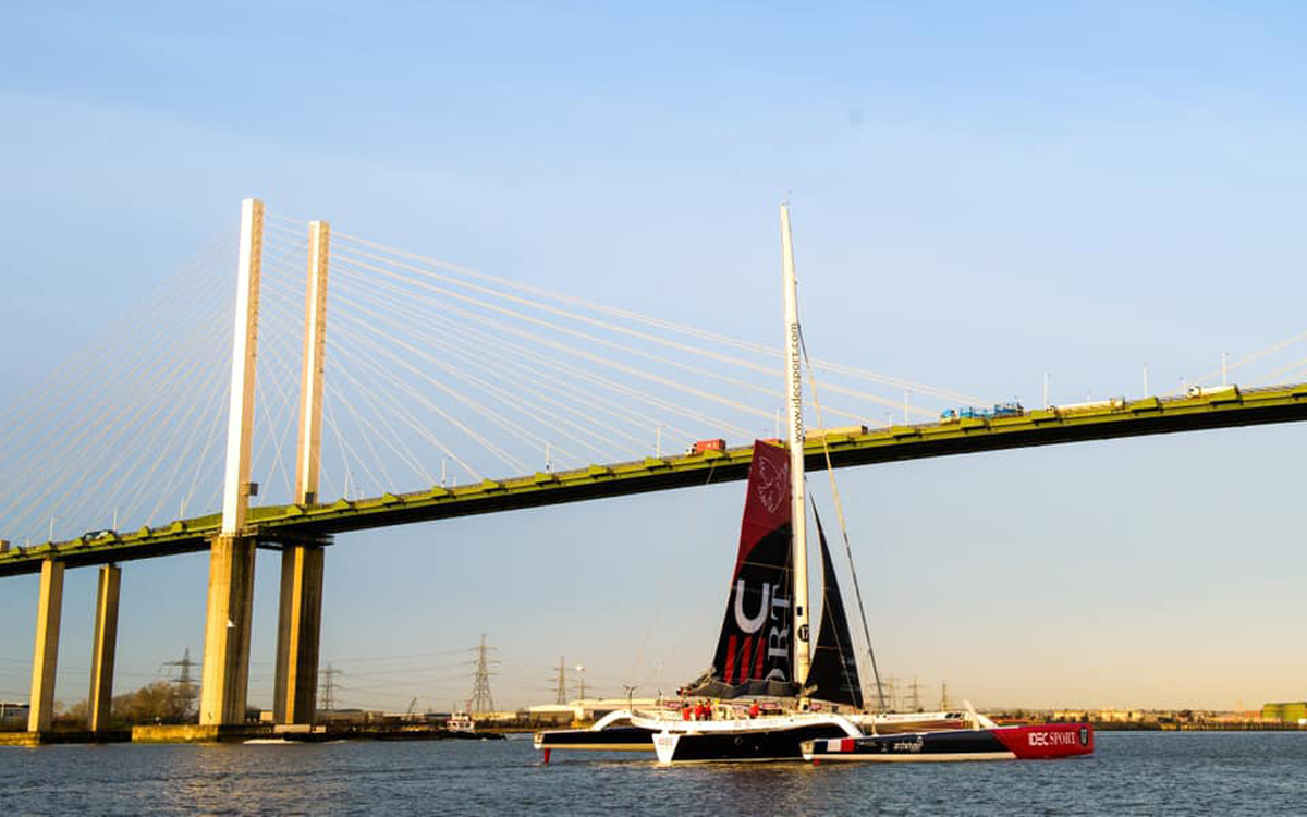 idec-sport-qe2-bridge-francis-joyon-clipper-route-world-sailing-record-feb-2020