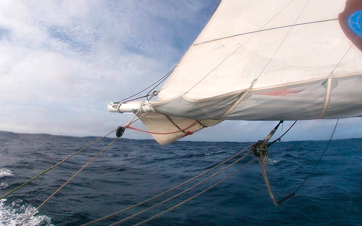 reduce-chafe-pip-hare-sailing-tips-reef-strop