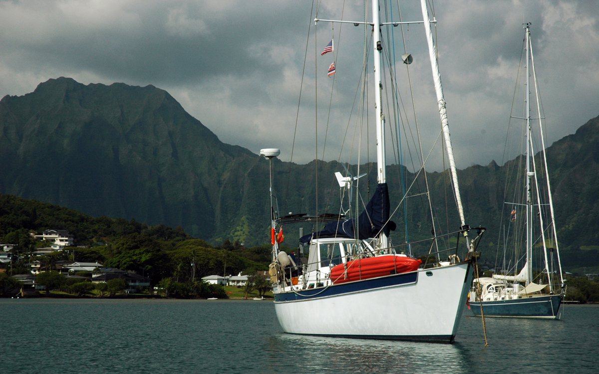 sailing-hawaii-distant-drummer-moored-Kaneohe-Bay-credit-suzy-carmody