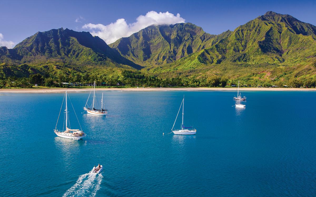 sailing-hawaii-hanalei-bay-credit-tor-johnson