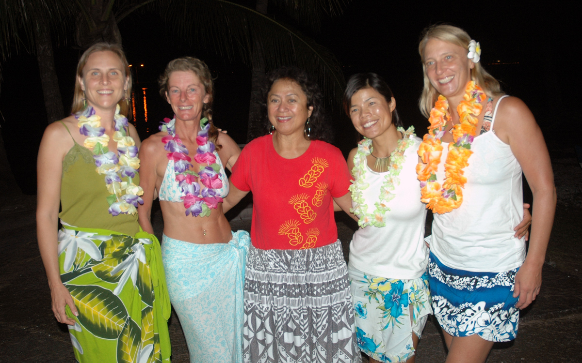 sailing-hawaii-hula-dancing-lessons-credit-suzy-carmody