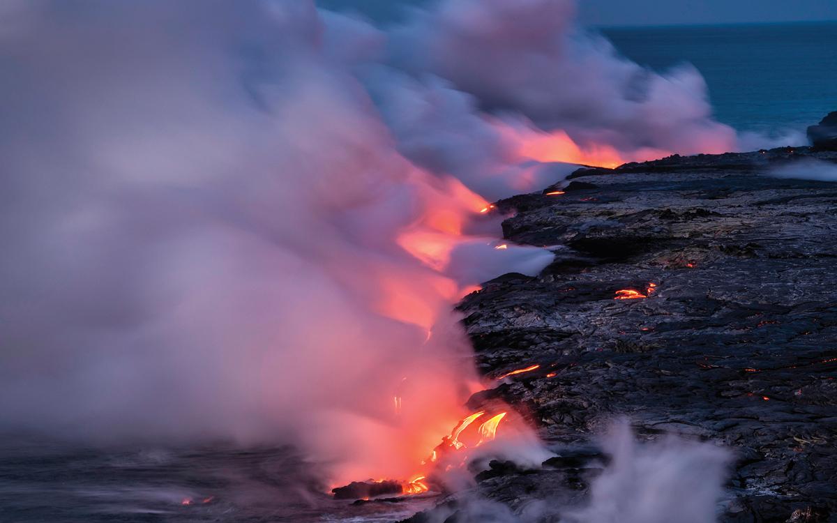 sailing-hawaii-lava-credit-Greg-Vaughn-Alamy