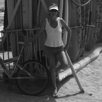sailing-hawaii-suzy-carmody-portrait-bw-waikiki-beach