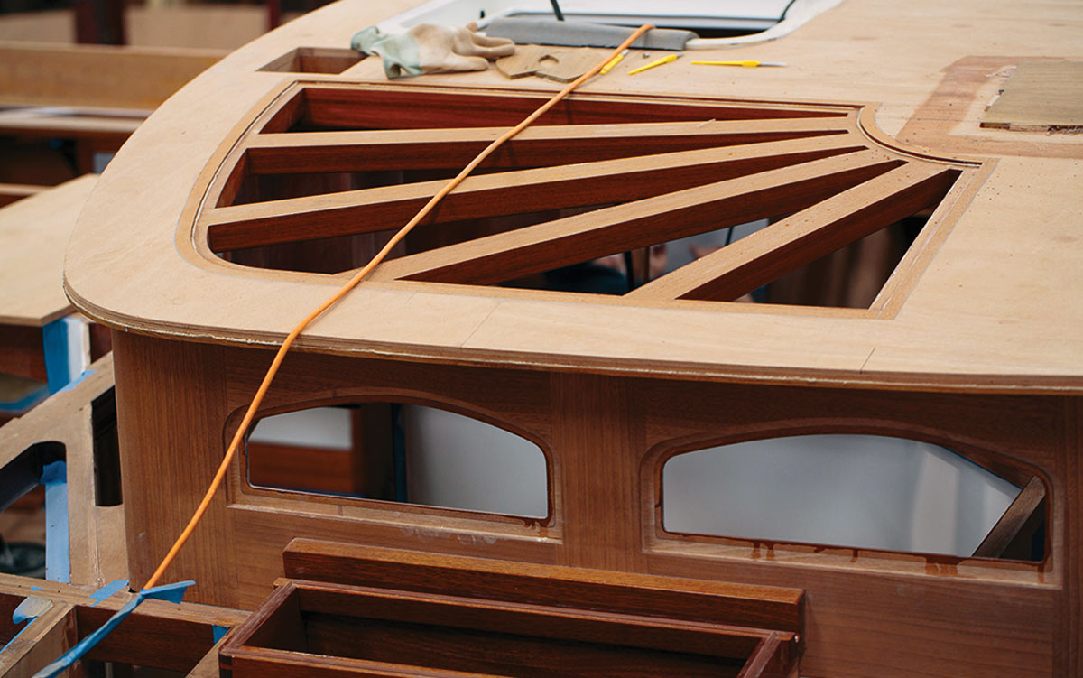 spirit-yachts-history-deckhouse-under-construction-credit-emily-harris