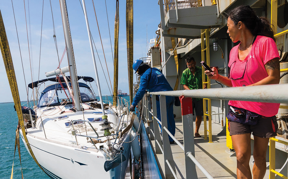 yacht-shipping-disembarking-credit-tor-johnson
