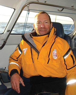graeme-kendall-to-the-ice-and-beyond-extract-sailing-northwest-passage-portrait