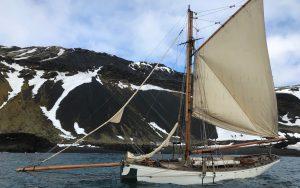 sailing-Jan-Mayen-island-integrity-side-view