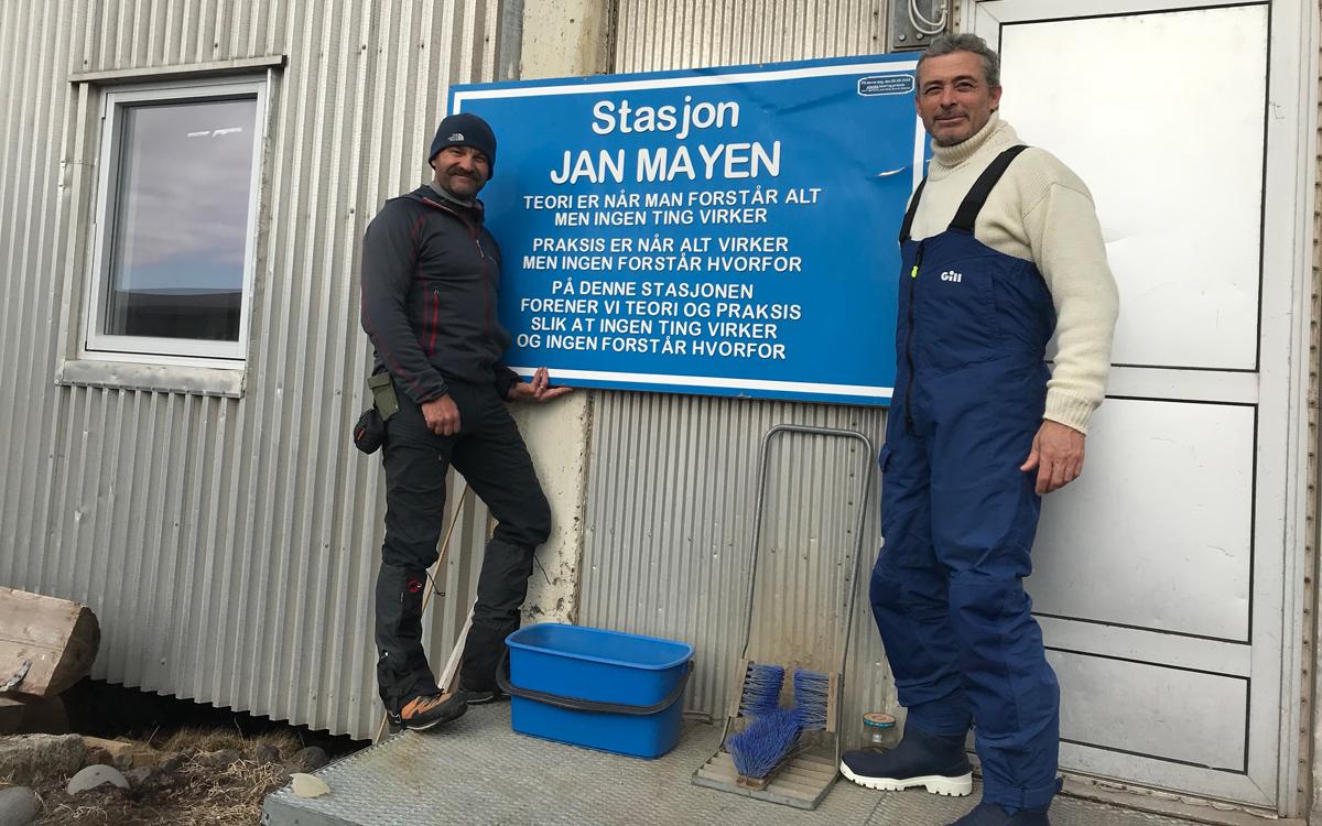 sailing-Jan-Mayen-island-integrity-station
