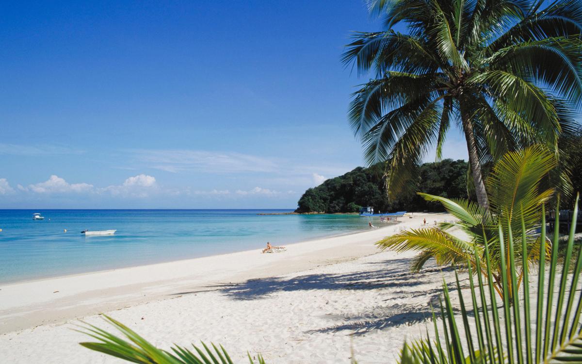 sailing-panama-las-perlas-islands-credit-age-fotostock-Alamy