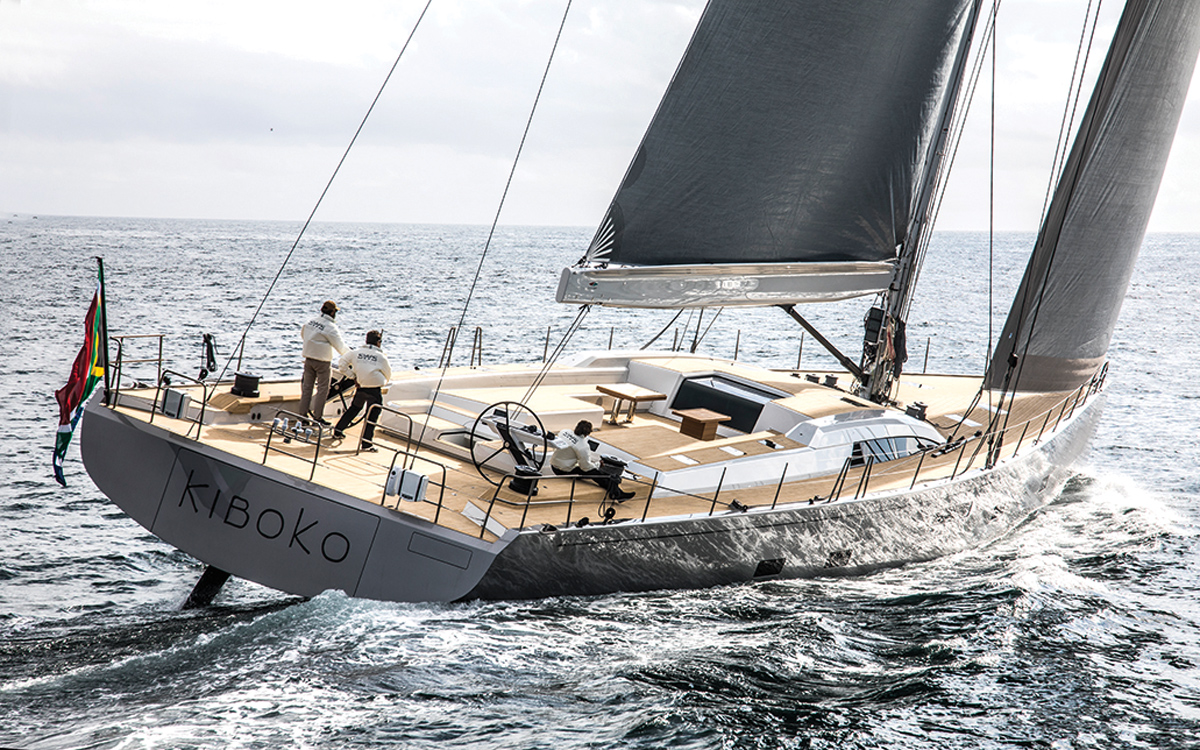 Teak-alternative-flexiteek-Southern-Wind-105-superyacht-Kiboko-III