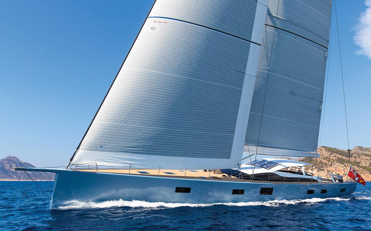 baltic-112-superyacht-liara-running-shot-credit-Josh-Czachur-Breed-Media