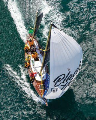 sydney-hobart-race-2019-Katwinchar-aerial-view-credit-carlo-borlenghi