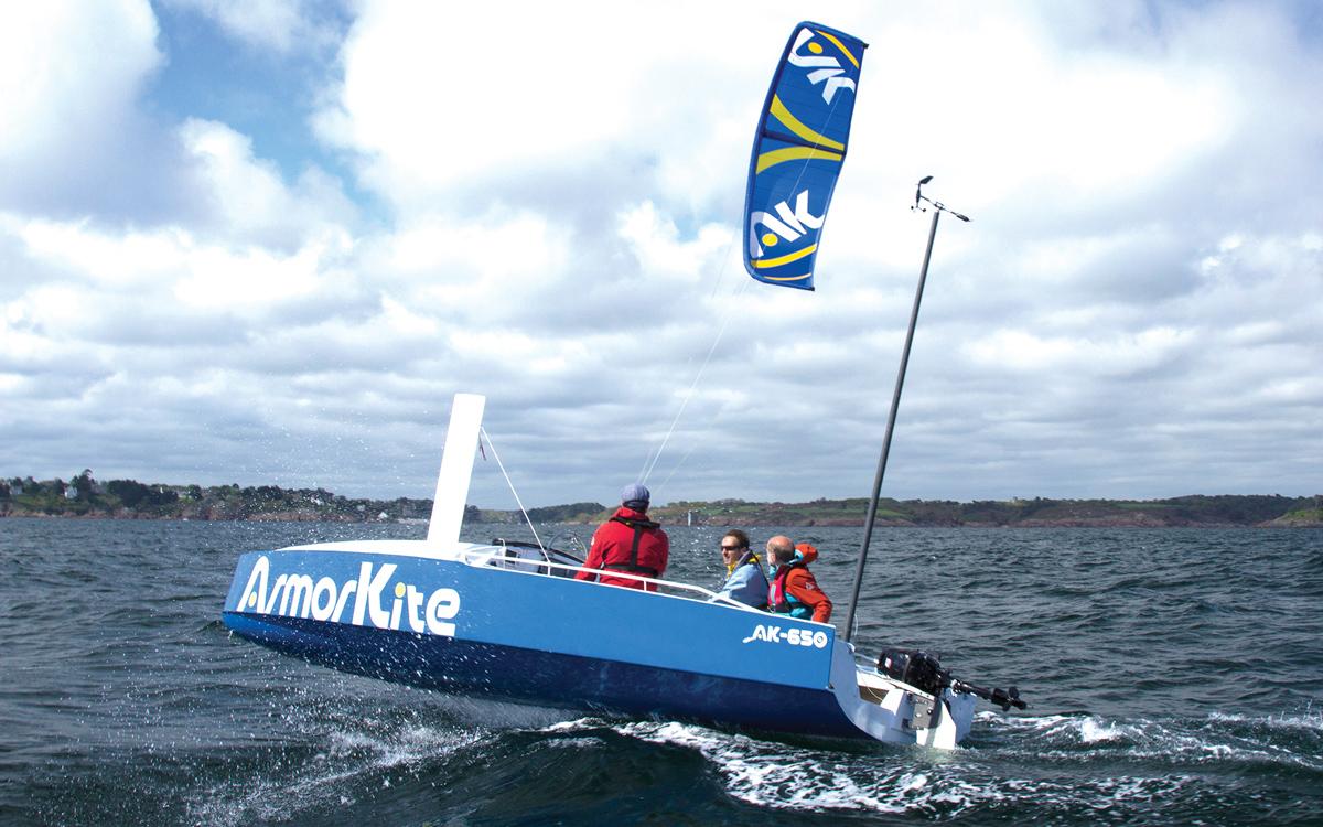 armorkite-650-boat-test-aft-running-shot-credit-Chloe-Dubset