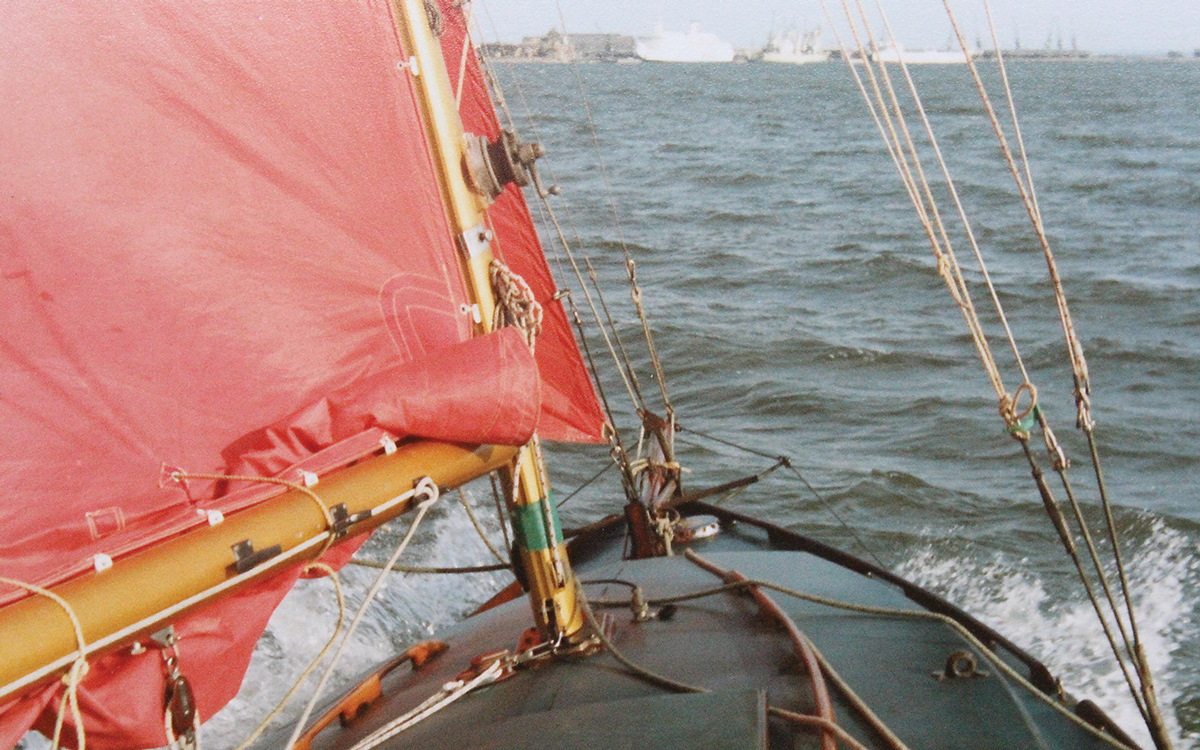 east-coast-sailing-dick-durham-almita-on-and-offshore-extract-foredeck