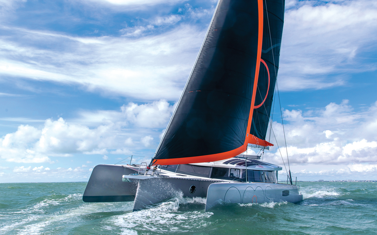 self-sustainable-yacht-neel-51-trimaran-noos-bow-running-shot