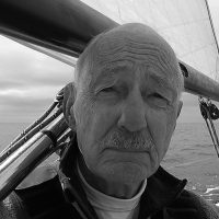 solo-pacific-sailing-webb-chiles-bw-headshot-600px-square