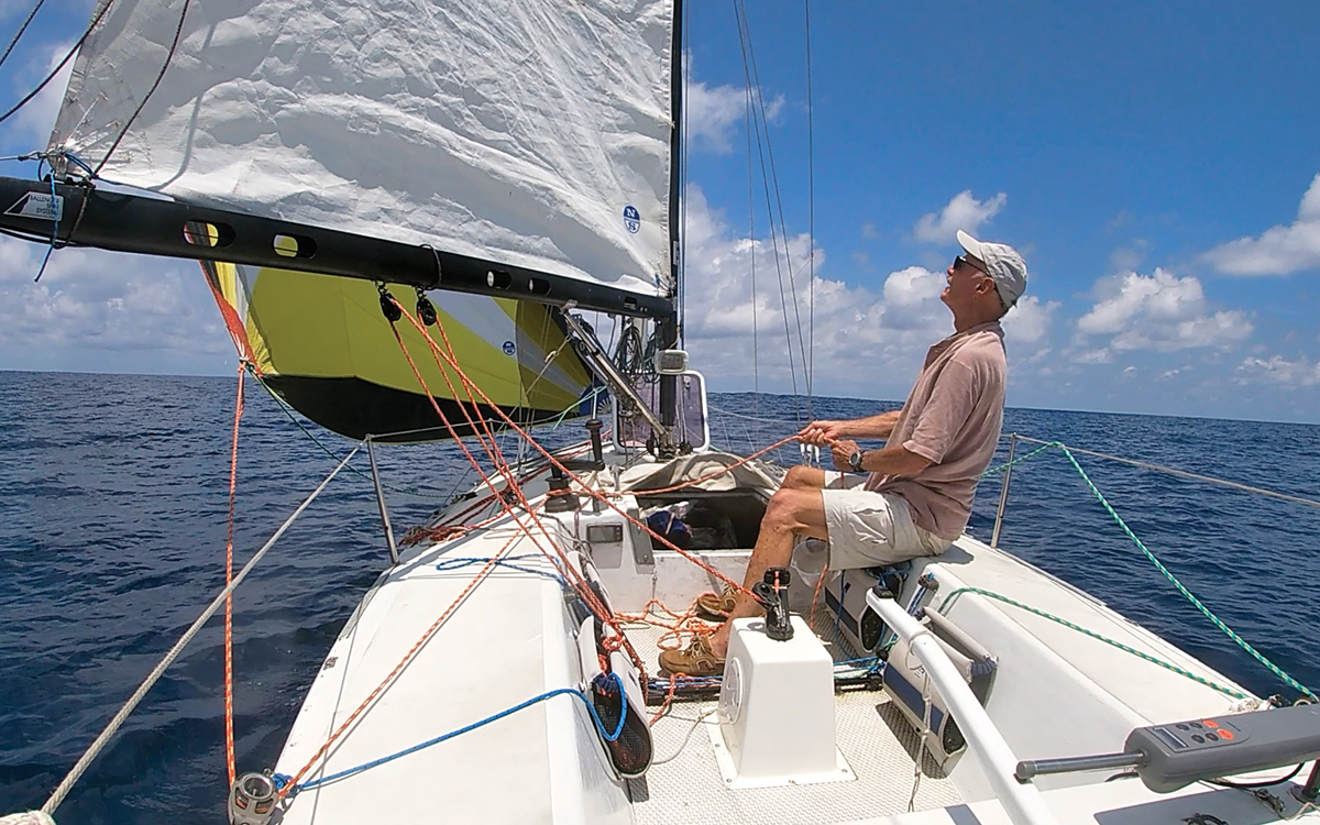 solo-pacific-sailing-webb-chiles-gannet-asymmetic-gennaker