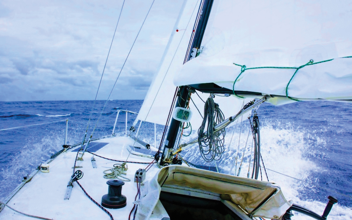 solo-pacific-sailing-webb-chiles-gannet-foredeck