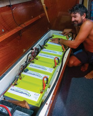 sv-delos-self-sustainable-yacht-Transporter-Energy-Lithium-batteries