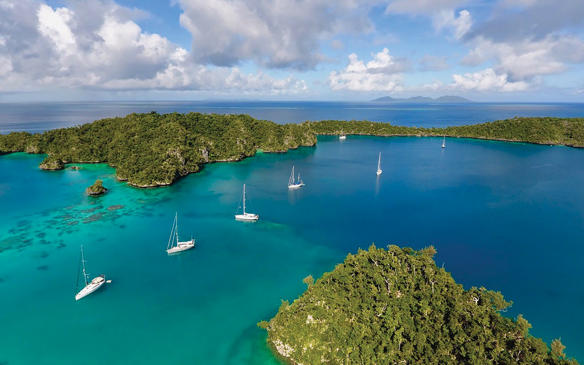 bluewater-sailing-preparation-caribbean-anchorage