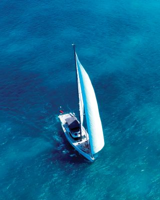 oyster-825-champagne-hippy-aerial-view-credit-oysterluxurycharters